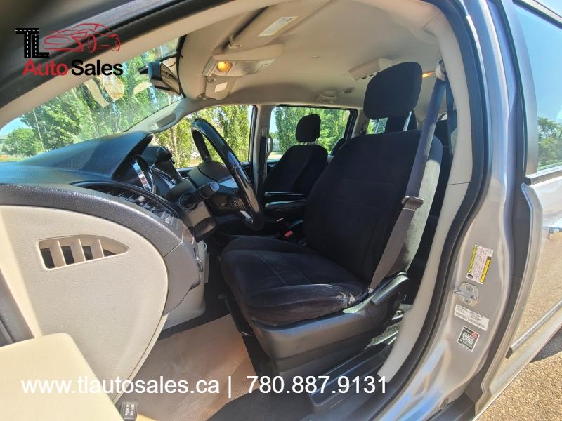 Dodge Grand Caravan 2013 price $8,999