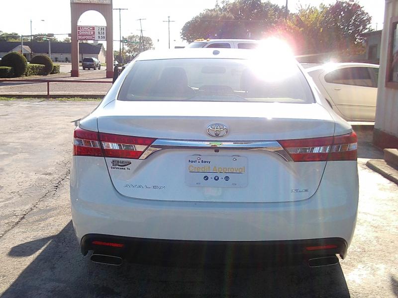 Toyota Avalon 2015 price $19,900
