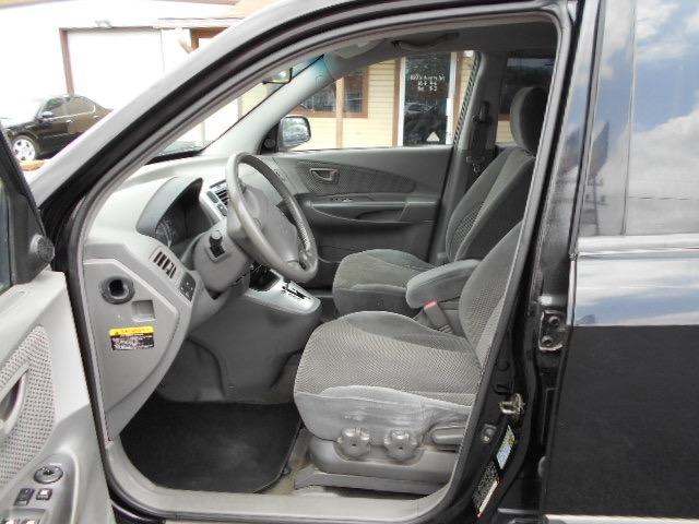 Hyundai Tucson SUV 2006 price $4,995