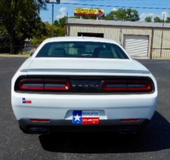 Dodge Challenger 2017 price $29,995