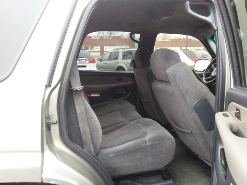 Chevrolet Tahoe SUV 2001 price $2,995