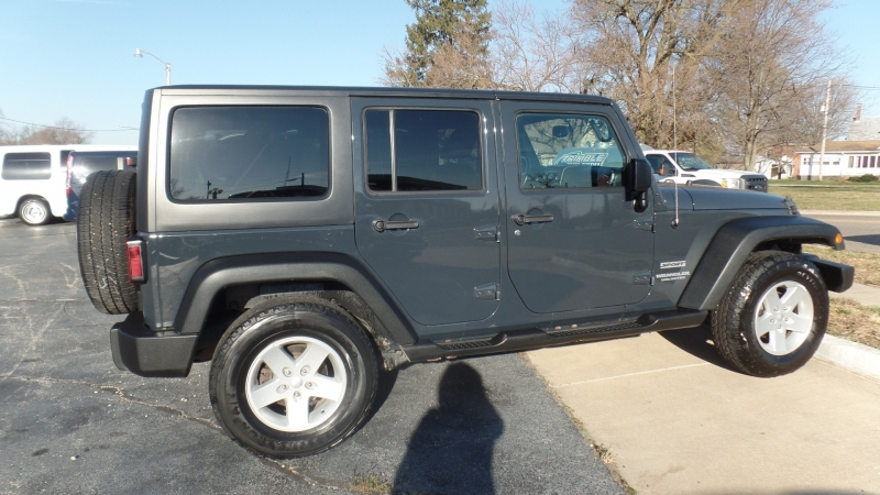 Jeep Wrangler Unlimited 2017 price $29,995