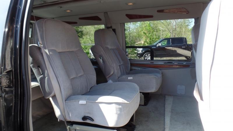 Ford Econoline Cargo Van 2000 price $4,995