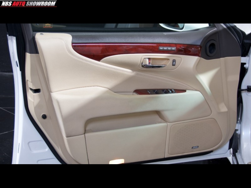 Lexus LS 460 2007 price $12,398