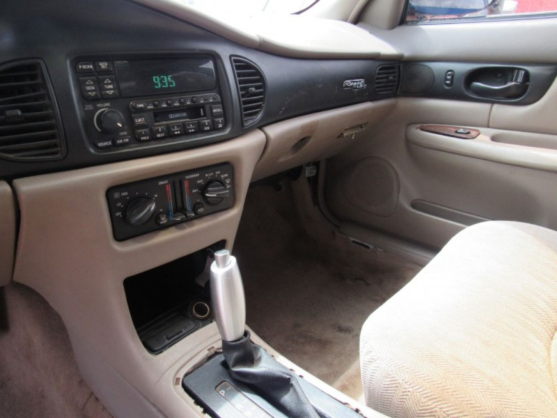 BUICK REGAL 2000 price $2,500