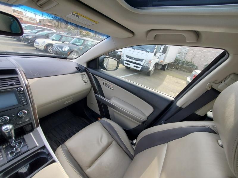 Mazda CX-9 2011 price $13,888