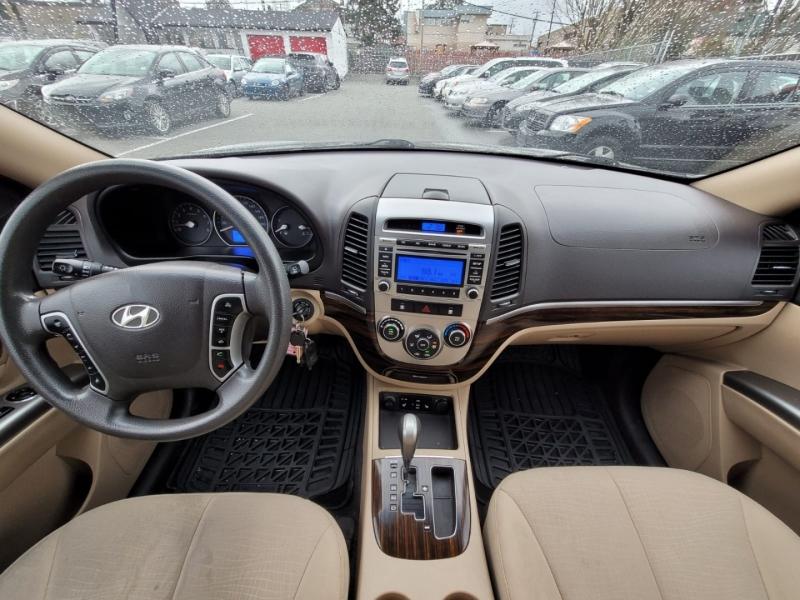 Hyundai Santa Fe 2012 price $8,888