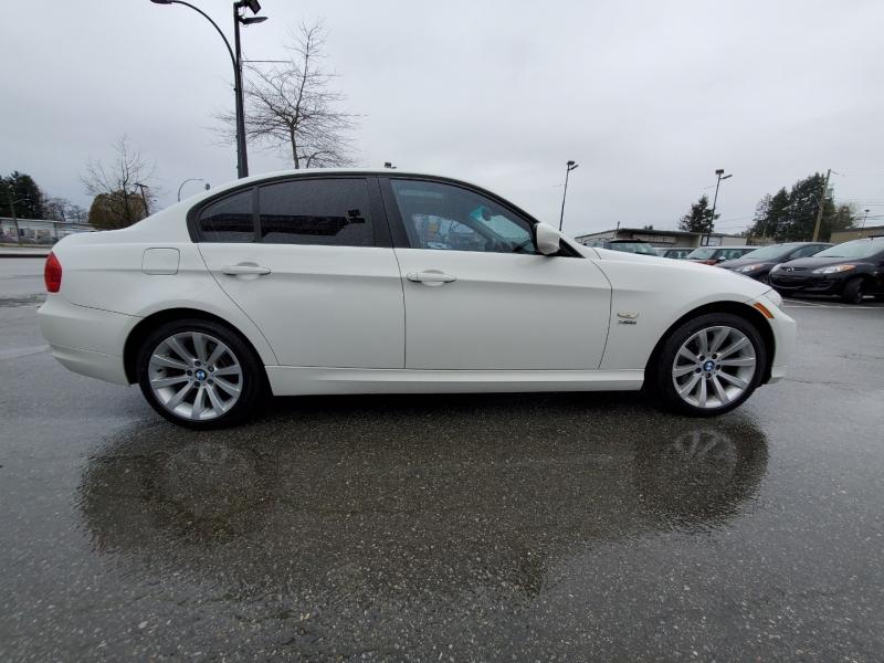 BMW 3-Series 2011 price $6,888