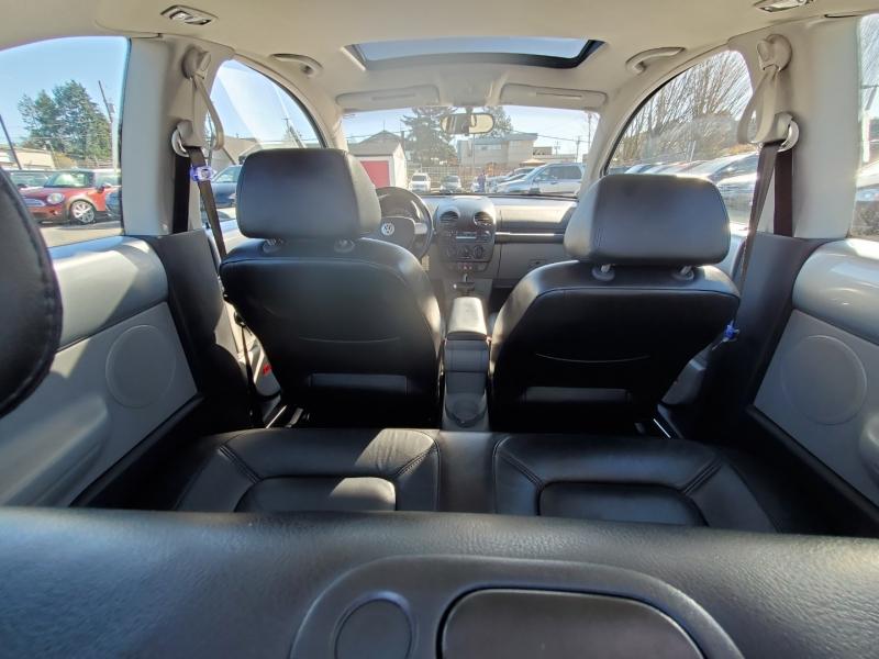 Volkswagen New Beetle 2002 price $4,888