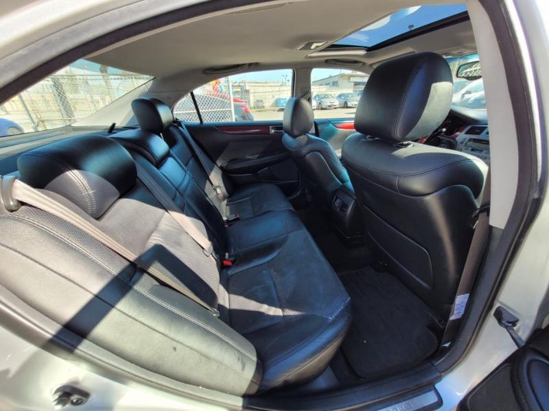 Lexus ES 330 2005 price $5,888