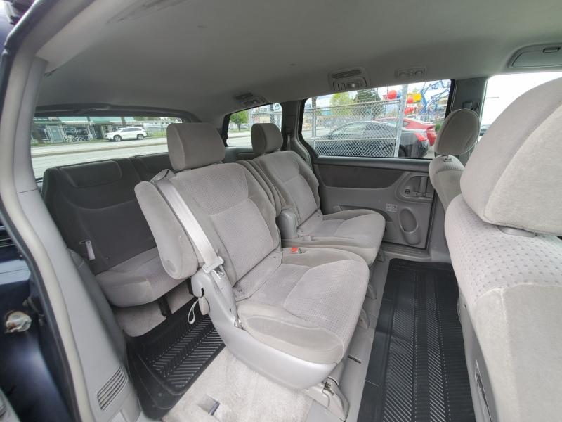 Toyota Sienna 2006 price $6,888