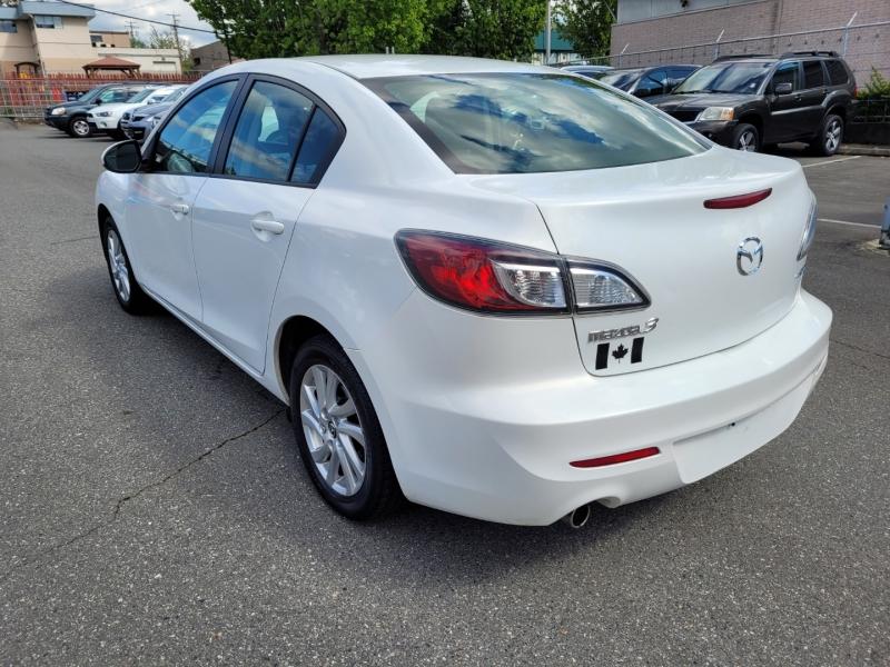 Mazda Mazda3 2013 price $8,888