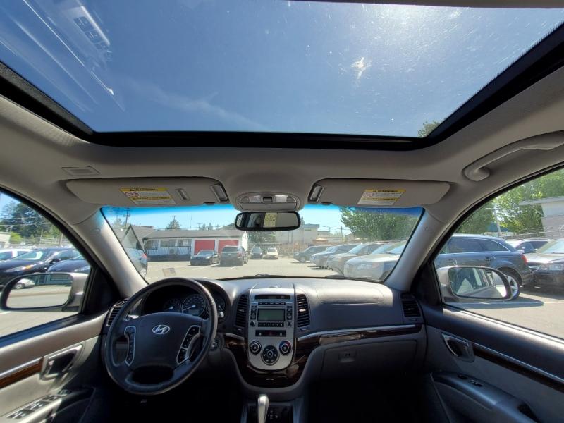 Hyundai Santa Fe 2011 price $7,288