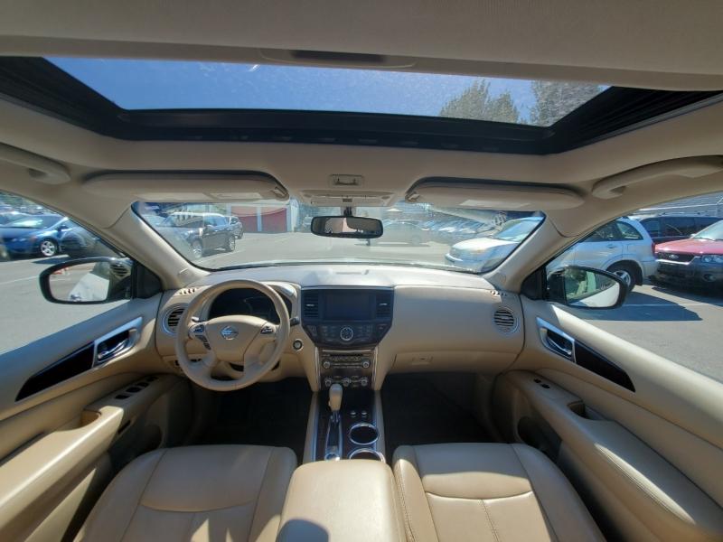 Nissan Pathfinder 2013 price $15,888