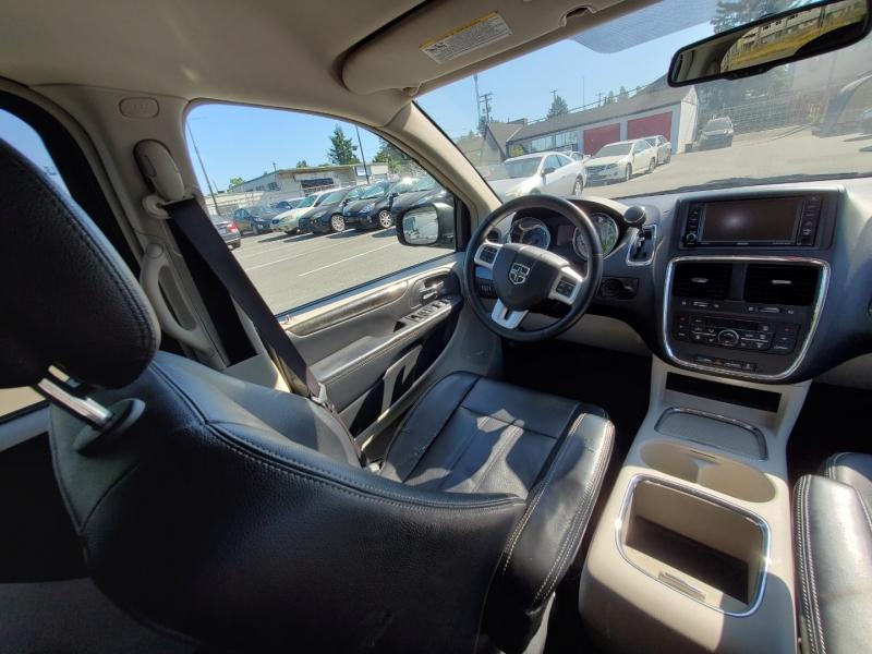Dodge Grand Caravan 2016 price $15,888