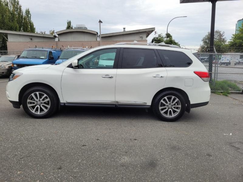 Nissan Pathfinder 2014 price $12,888