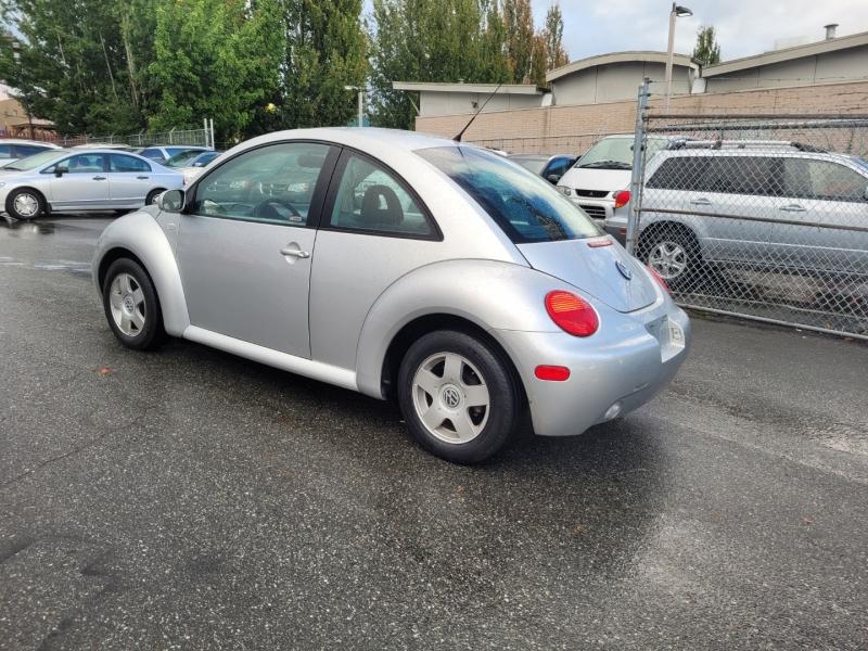 Volkswagen New Beetle 2001 price $4,888