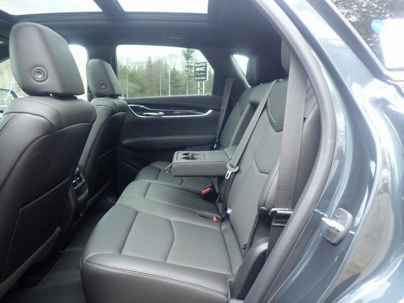 Cadillac XT5 2021 price $47,678