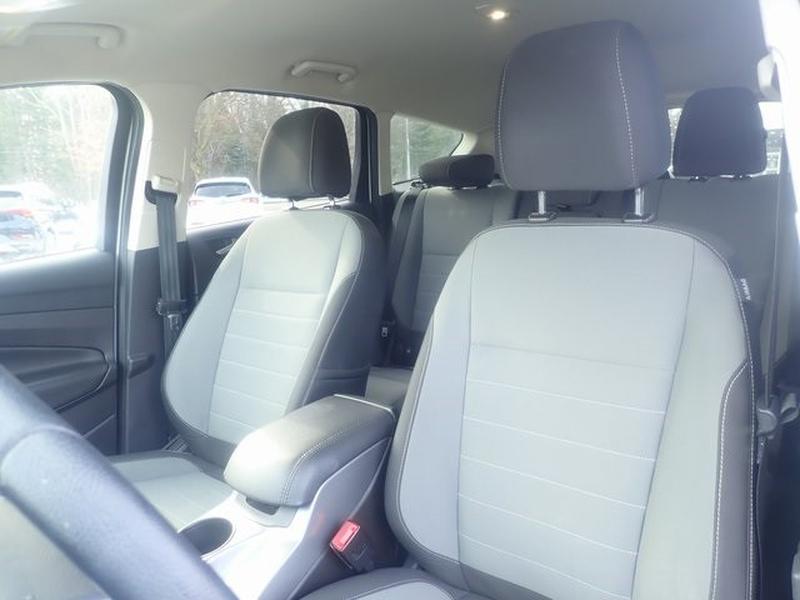 Ford Escape 2016 price $12,997