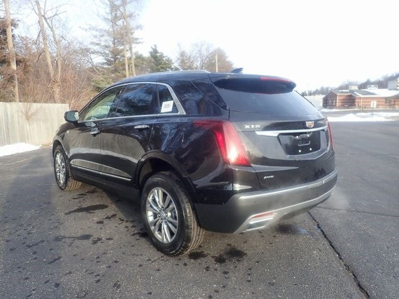 Cadillac XT5 2021 price Call for Pricing.