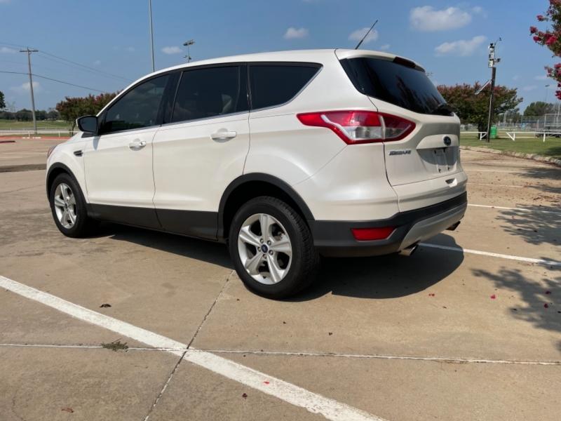 Ford Escape 2015 price $13,900