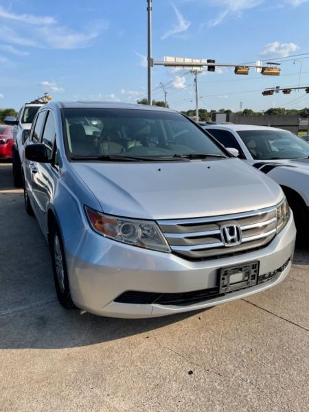 Honda Odyssey 2011 price $12,600