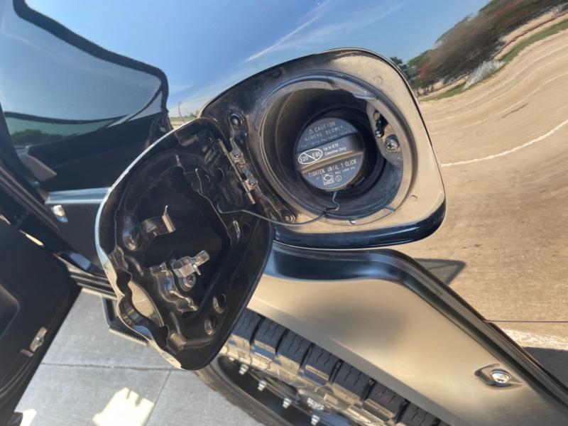 Toyota 4Runner 2016 price $33,600