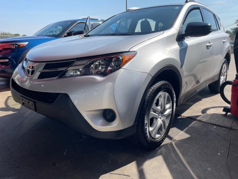 Toyota RAV4 2015 price $17,800