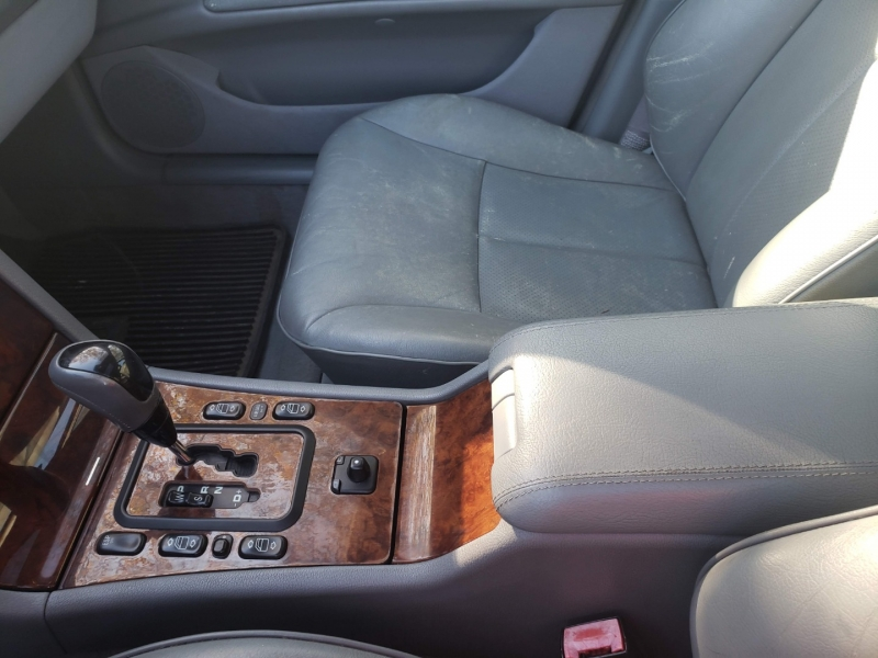 Mercedes-Benz E-Class 2001 price $3,995 Cash