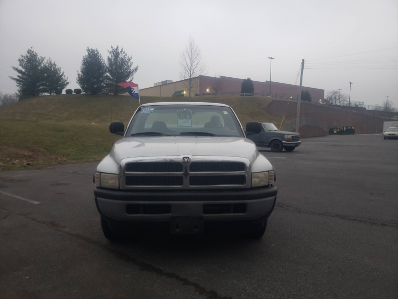 Dodge Ram 1500 2001 price $3,995 Cash