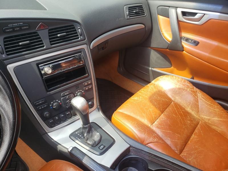 Volvo S60 2006 price $8,400 Cash