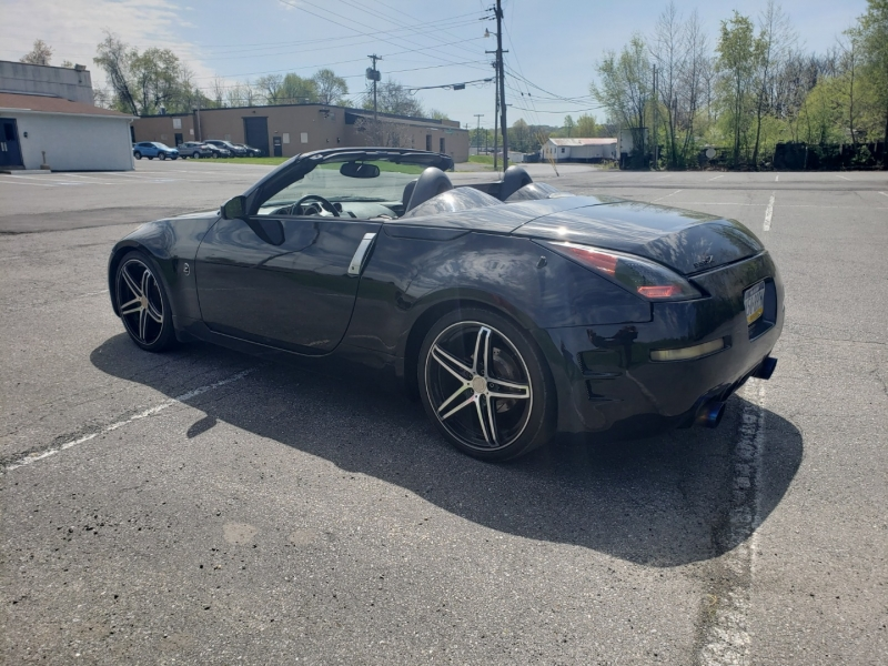 Nissan 350Z 2004 price $8,400 Cash