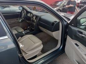 Chrysler 300 2006 price $5,800