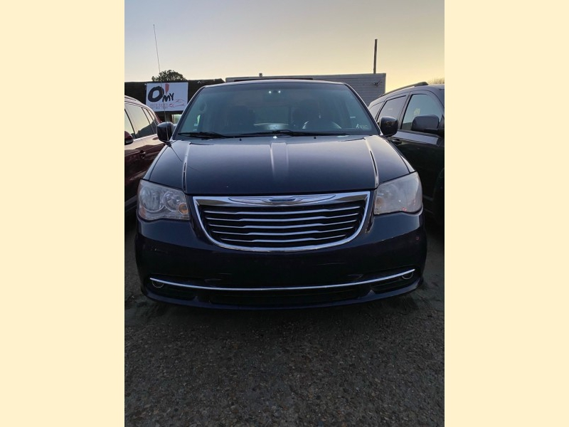 CHRYSLER TOWN & COUNTRY 2014 price $4,995