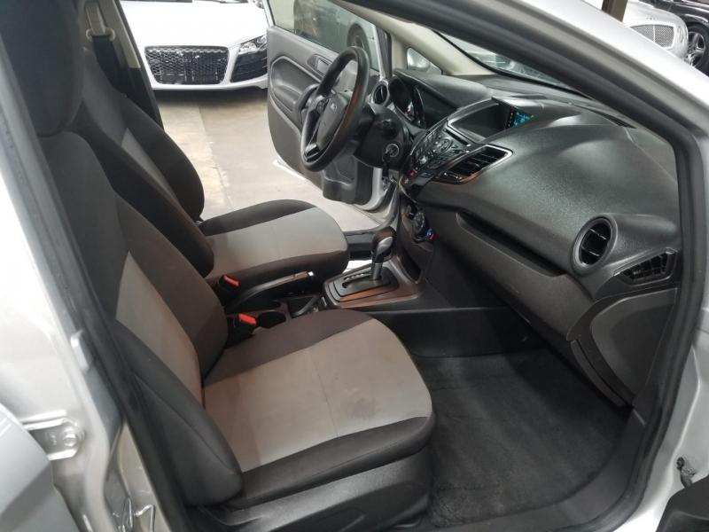 Ford Fiesta 2017 price $8,999 Cash