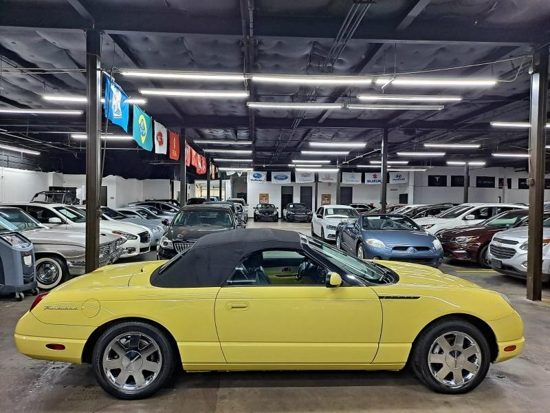 Ford Thunderbird 2002 price $15,999 Cash
