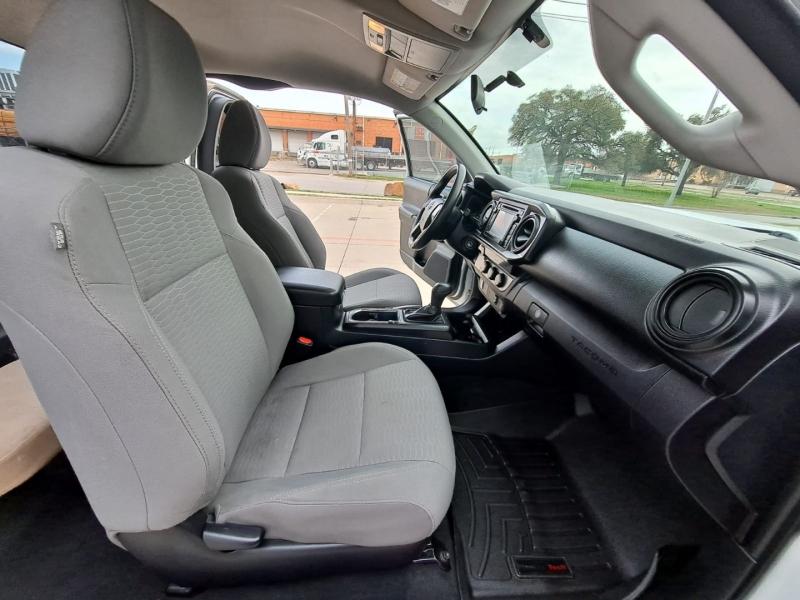 Toyota Tacoma 2017 price $17,999 Cash