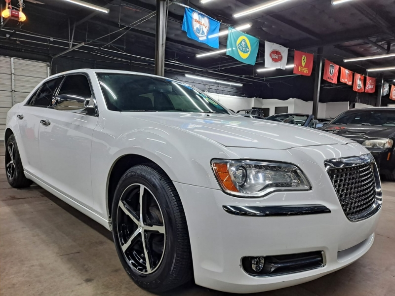 Chrysler 300 2014 price $13,999 Cash