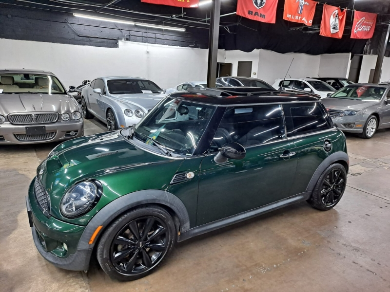 Mini Cooper Hardtop 2011 price $8,999 Cash