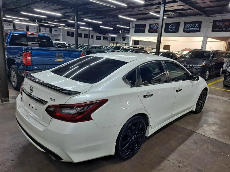Nissan Altima 2017 price $12,999 Cash