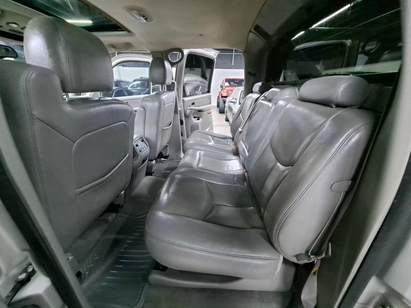 Chevrolet Avalanche 2005 price $7,999 Cash