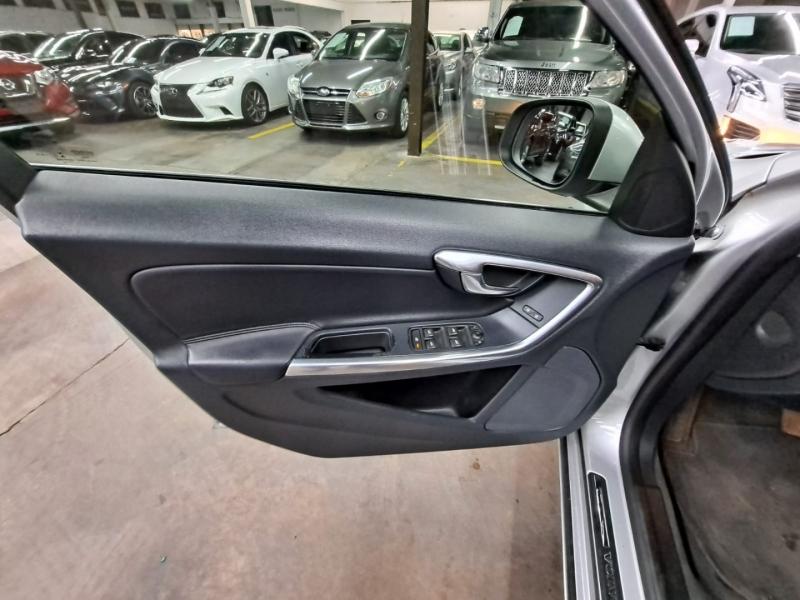 Volvo S60 2015 price $9,999 Cash