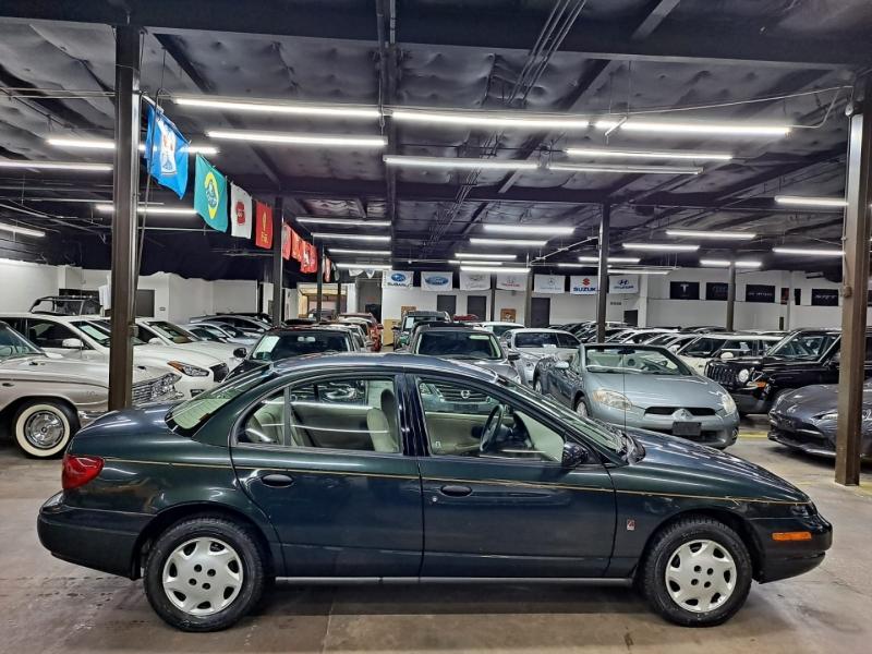 Saturn SL 2002 price $5,499 Cash