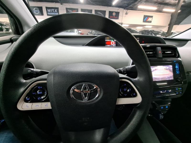 Toyota Prius 2016 price $9,999 Cash