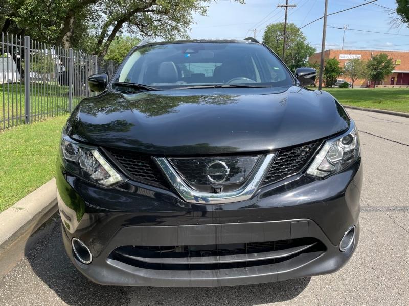 Nissan Rogue Sport 2017 price $17,999 Cash