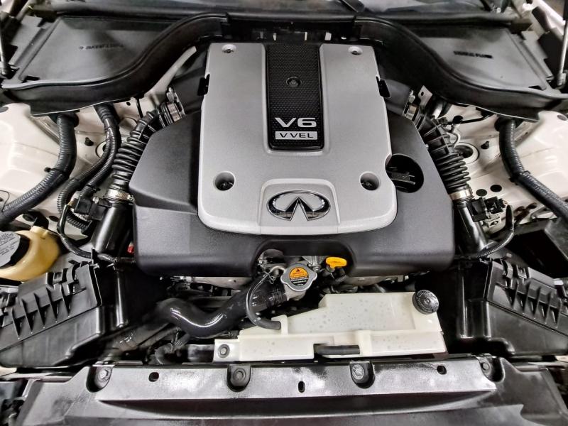 Infiniti Q60s Coupe 2015 price $17,999 Cash