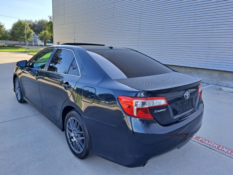 Toyota Camry 2013 price $13,999 Cash