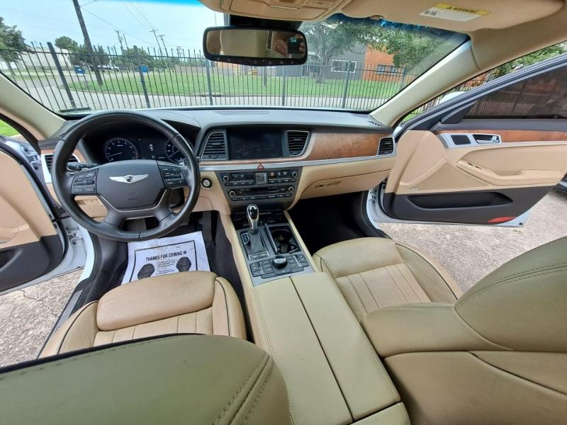 Hyundai Genesis 2015 price $13,999 Cash