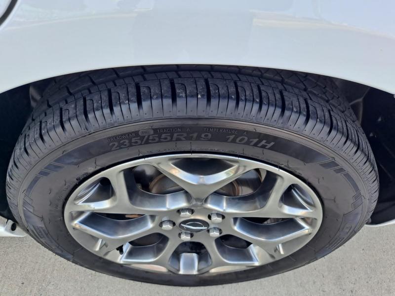 Chrysler 300 2016 price $19,999 Cash