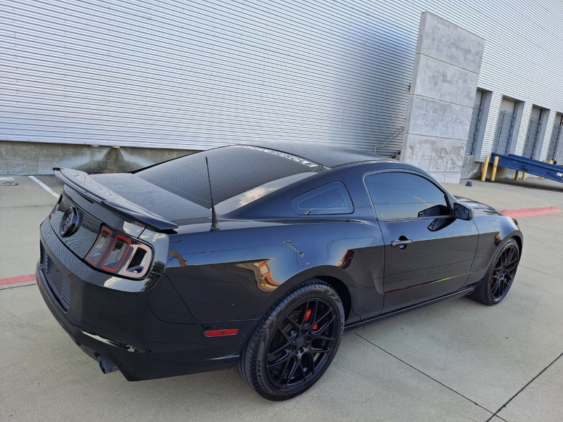 Ford Mustang 2014 price $12,999 Cash